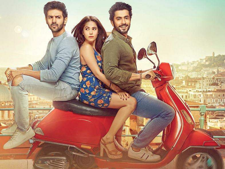 Sonu Ke Titu Ki Sweety movie tweet review: It's Bromance Vs Romance