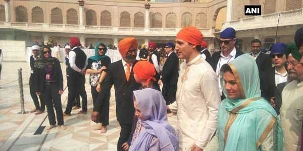 Canadian PM Trudeau, family pay obeisance at Golden temple wearing
