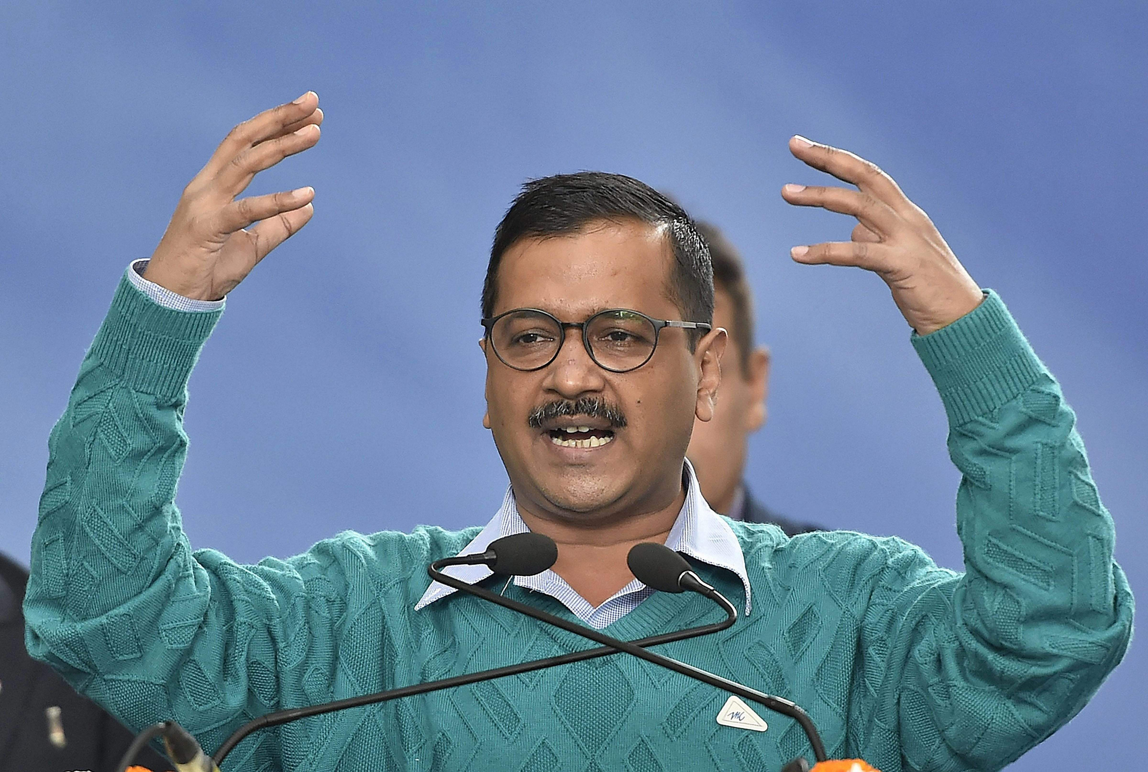 Kejriwal writes to Modi, Rahul; seeks appointments to resolve sealing issue