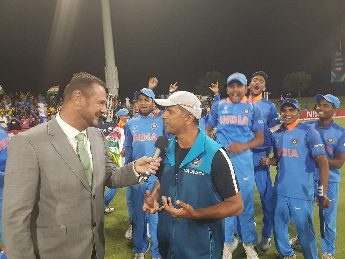 Image result for rahul dravid u-19 worldcup presentation ceremony