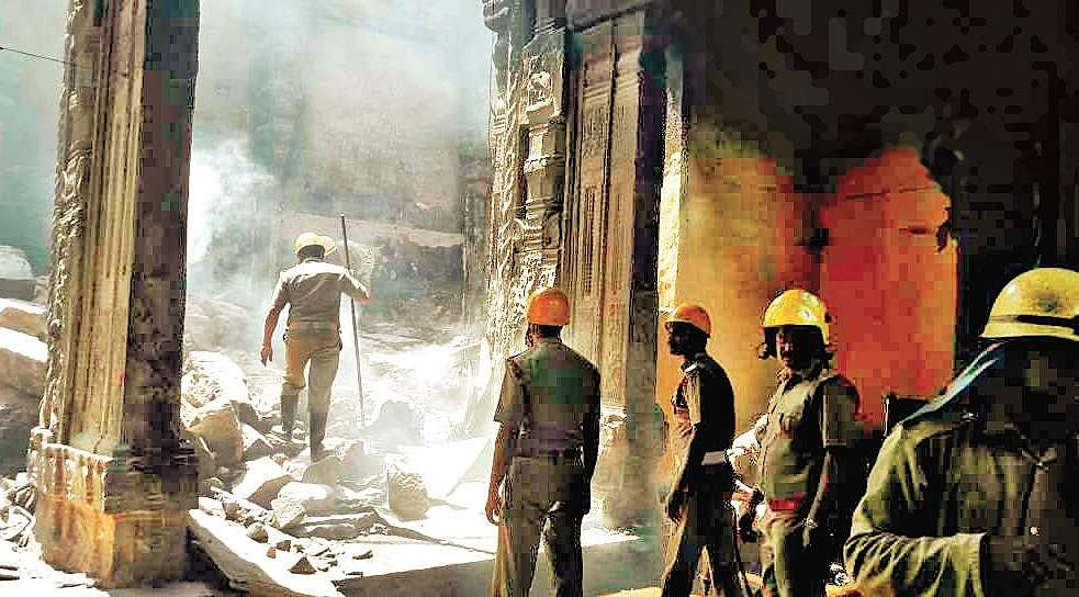 In A Major Fire At Madurai's Meenakshi Temple, Over 30 Shops Gutted