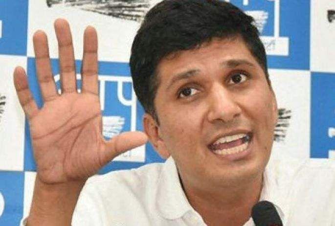 AAP MLAs visit markets, back bandh against sealing drive