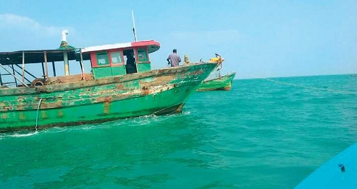 ReThe two mechanised boats that indulged in pair trawling off Manora Coast | Express