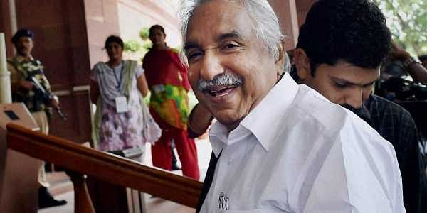 Oommen Chandy relieved, order to remove Saritha's letter from Solar report