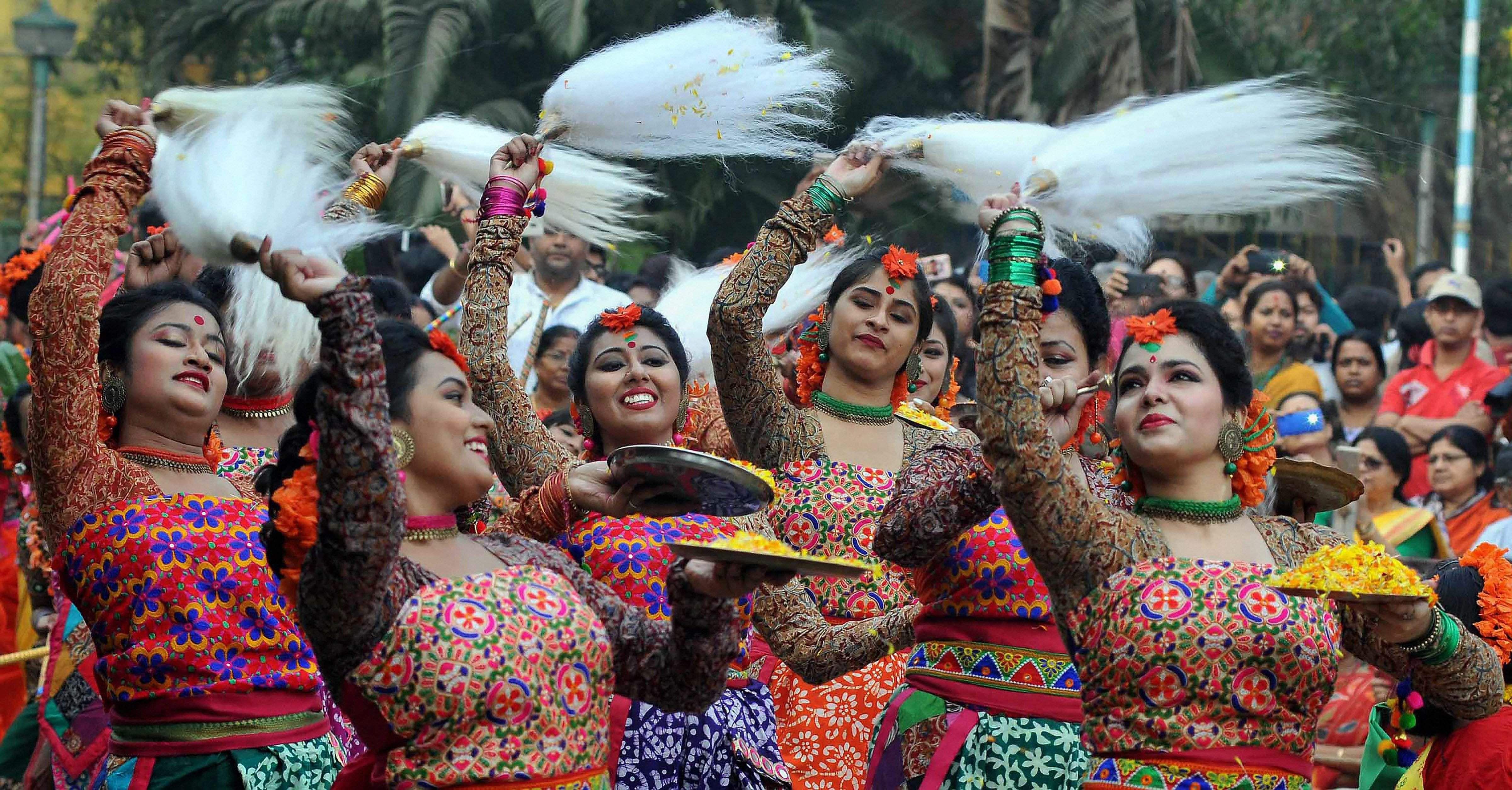 Holi Photo: Holi 2018: Revellers Across India Celebrate The Festival