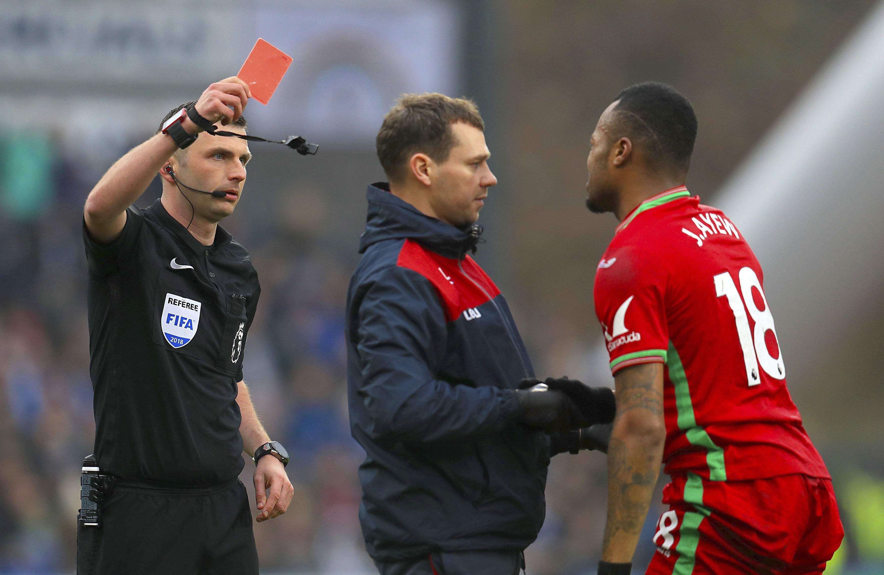 Jordan Ayew sent off against Huddersfield