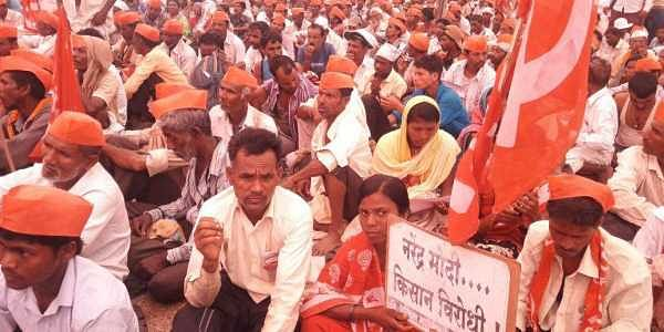 Over 35,000 farmers from across Maharashtra, who embarked on a `Long March' from Nashik on March 6 to press their various demands, arrived in Mumbai on Monday, 12th March.