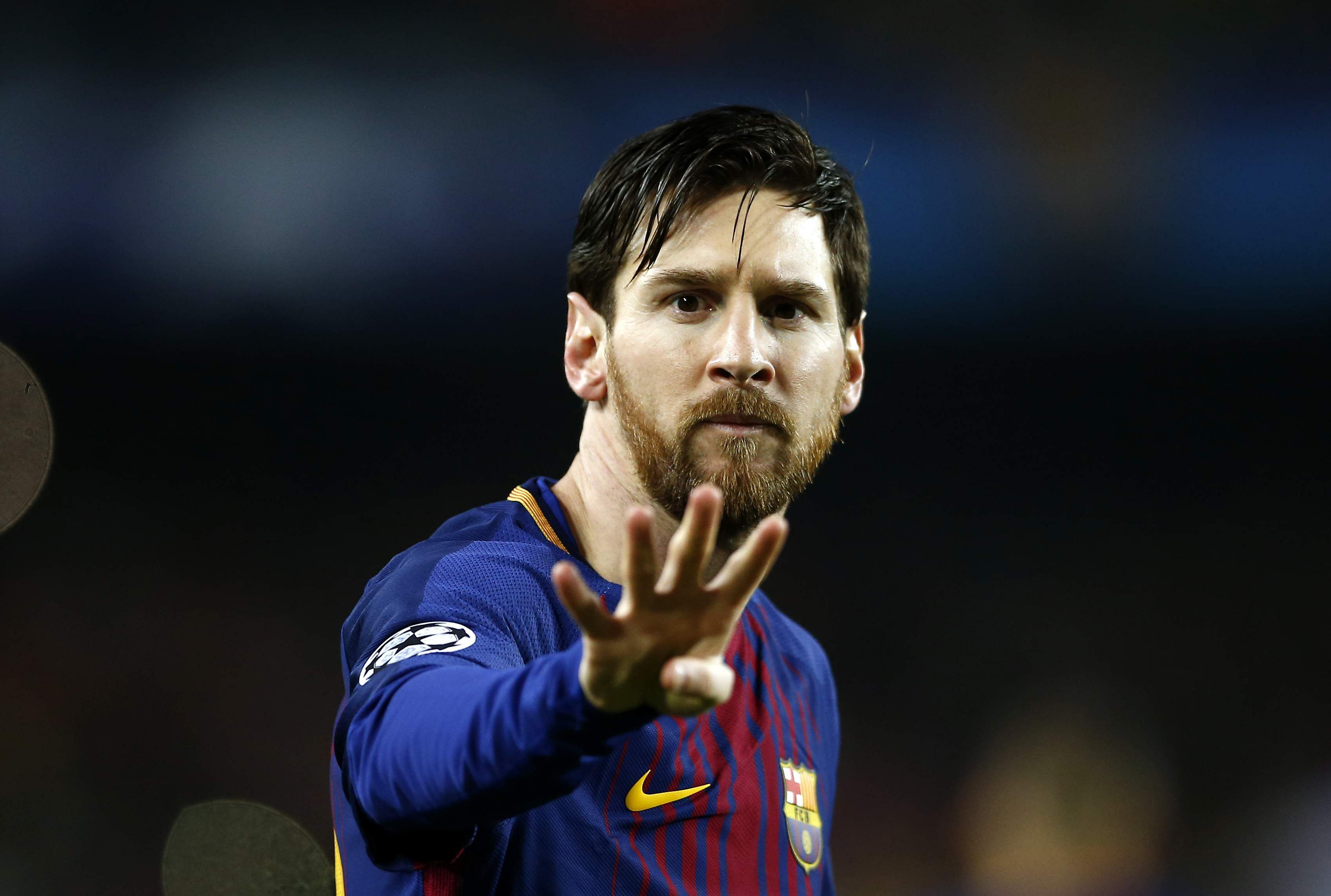 Lionel_Messi_gestures_AP
