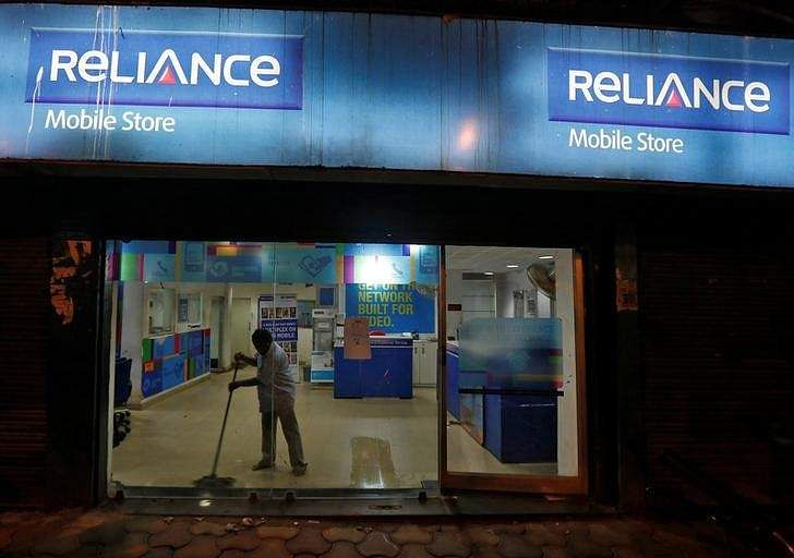 RCom says confident of completing asset sale to Reliance Jio on time
