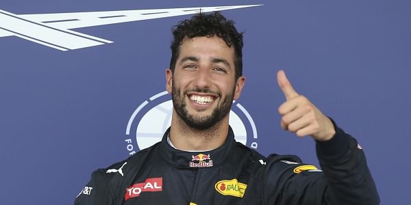 Daniel Ricciardo in no hurry to sign 2019 contract