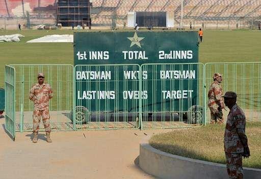 Thousands await homecoming of cricket in Karachi