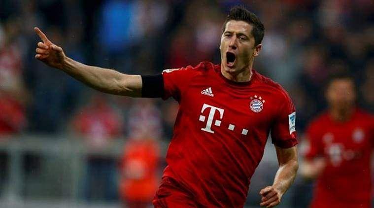 Four goal Bayern open 20 point lead