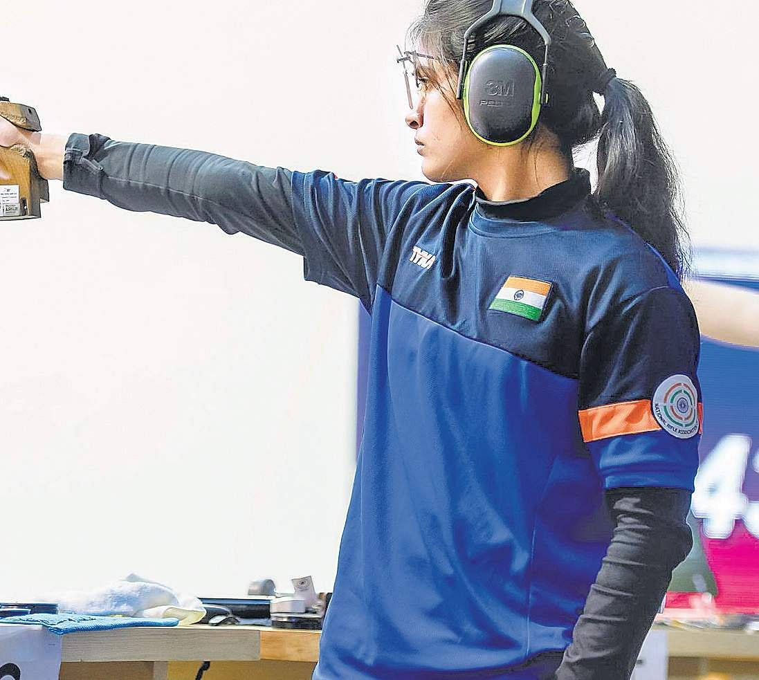 16-year-old Manu Bhaker shoots gold in Women's 10m Air Pistol