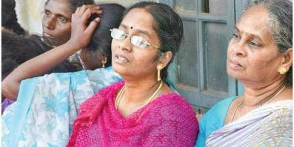 Is TN a Hell? Cop who murdered for Helmet case gets Suspended and CM grants 7 Lakhs to cover it up!