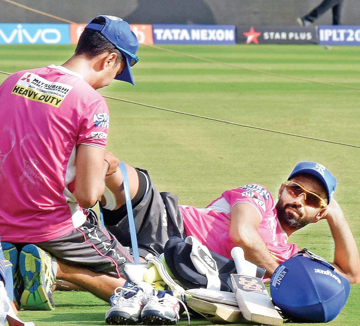 Royal Challengers Bangalore win toss and opt to bowl