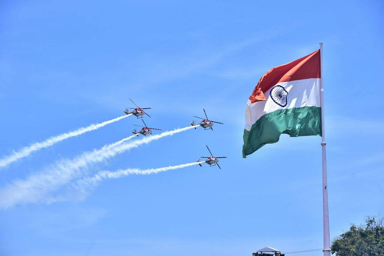 Live demo being performed by Defence Personnel at the defence Expo 2018 being held Chennai on Friday - Express/  P Jawahar