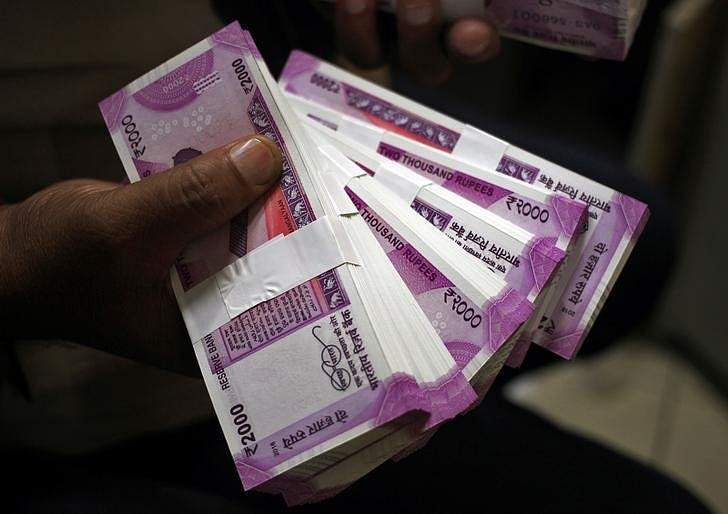 Raids conducted on cash hoarders amid currency crunch in India