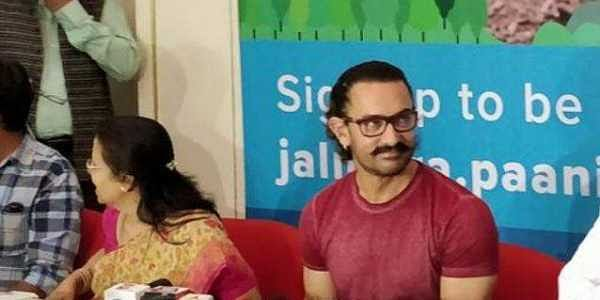 Aamir Khan addresses a press conference at Pune Symbiosis College (Twitter/Bollywood Hungama)