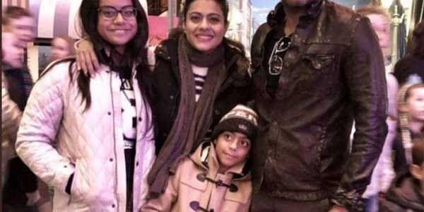 Kajol with her family (Twitter/Kajol)