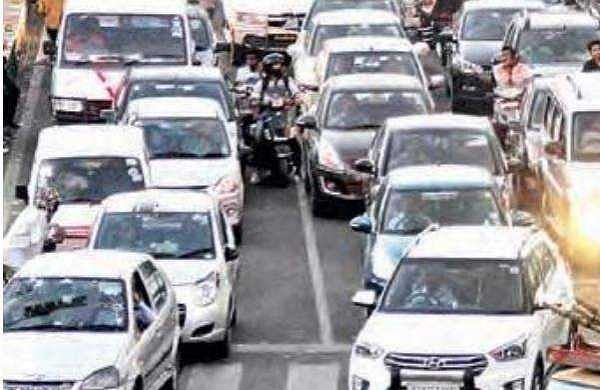 Traffic on standstill on IT corridor, in Hyderabad on Monday | sathya keerthi