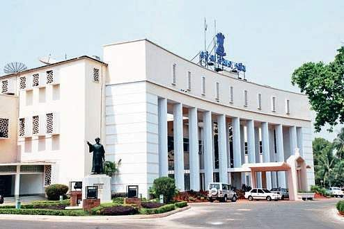 Oil price hike rocks Assembly