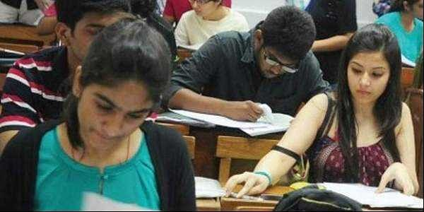 Upper age limit for the NEET exam to remain the same