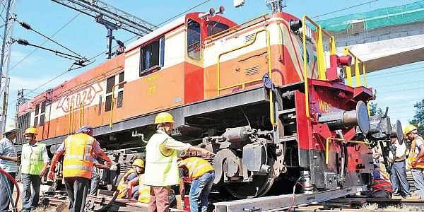 Train derails during shunting procedure at Ernakulam South railway