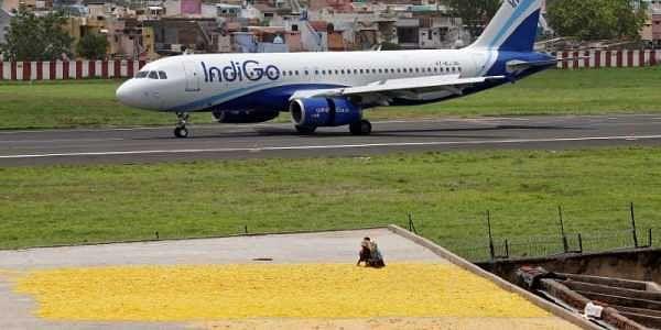 IndiGo Q4 net slumps 73% to Rs 118cr on high fuel cost