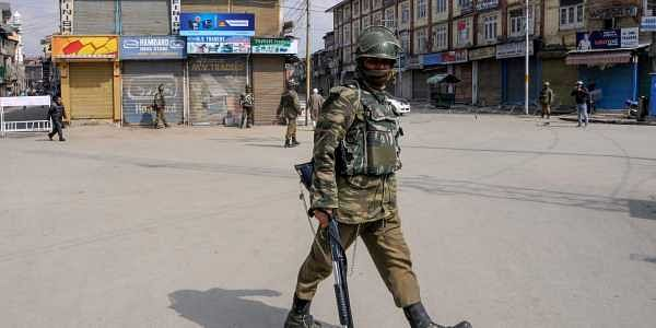 Stone-pelters target school bus with 35 children in Kashmir, injure boy