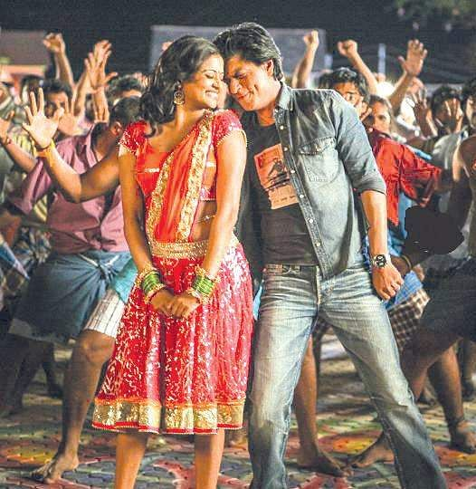 Priyamani and Shah Rukh Khan in Chennai Express.