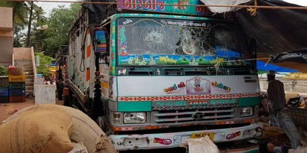 caw-lorry-2080224