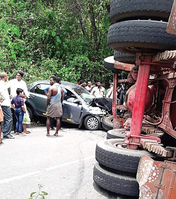 Cuyahoga Falls Family Makes National News After: Miraculous Escape For Kerala Family After Lorry Falls On