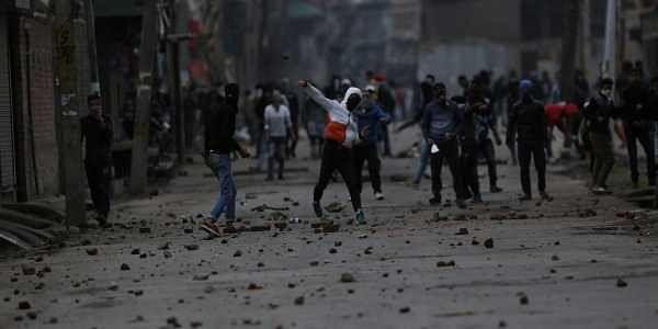 Srinagar: Chennai tourist dies in attack by stone-pelters