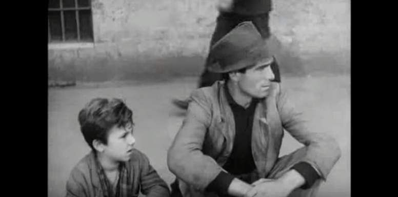bicycle thieves download in hindi