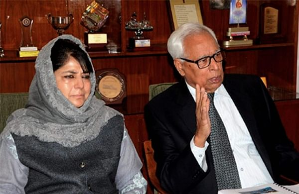 Jammu and Kashmir Governor N N Vohra and former state Chief Minister Mehbooba Mufti. (File | PTI)
