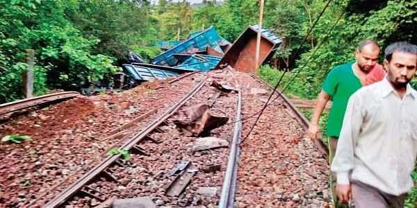 Chhattisgarh: Goods train derails after Maoists uproot tracks