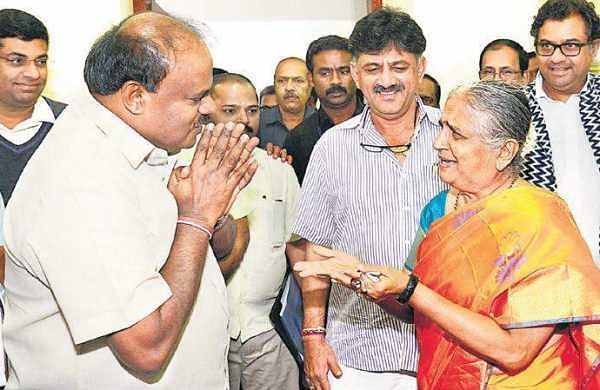 Chief Minister H D Kumaraswamy greets Infosys Foundation Chairperson  Sudha Murty in Bengaluru on Thrusday | Pushkar V