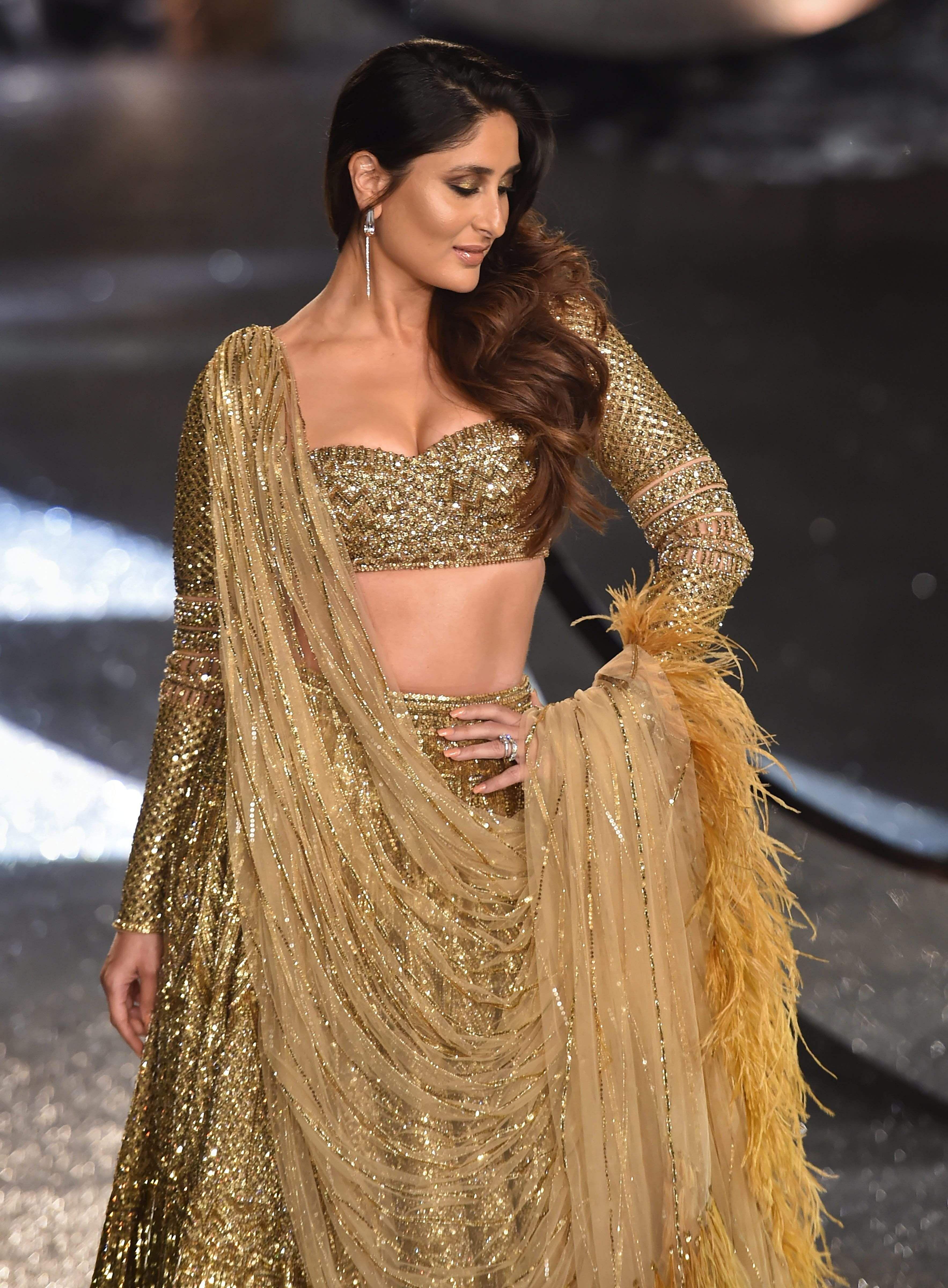 Kareena Kapoor-Falguni Shane Peacock-India Couture Week