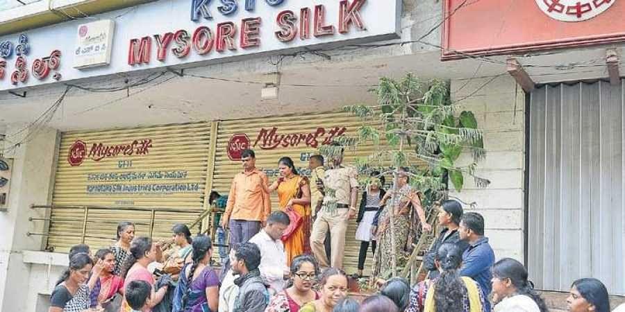 Ksic sarees sale in bangalore dating