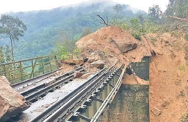 Boulders and mounds of earth fallen on tracks near Yedakumeri on the Mangaluru-Bengaluru railway route owing to heavy rains, on Saturday.   Express Photo Services
