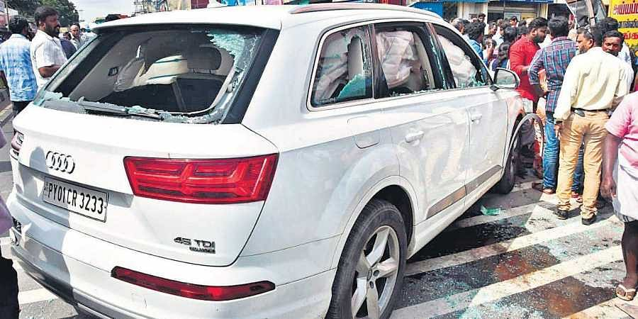 Six Dead As Suv Runs Into Bus Stop In Kovai The New Indian Express