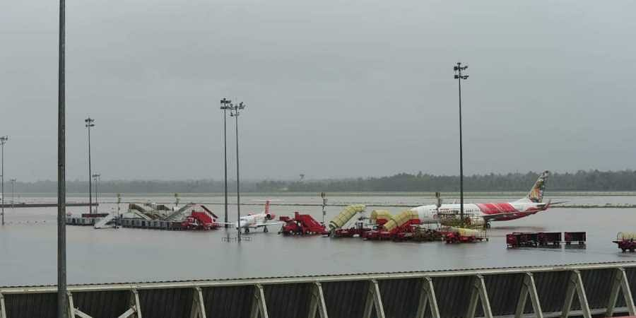 kerala floods: cochin airport opens after two weeks- the new indian