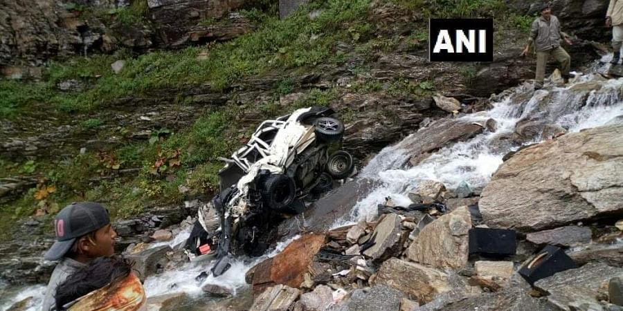 11 dead as a SUV falls in a deep gorge in Himachal- The New
