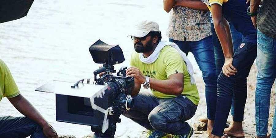 Sarkari Hiriya Pratamika Shale' movie review: Digging deep into