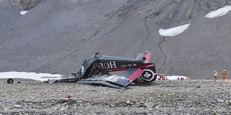 Swiss Alps, Plane crash,