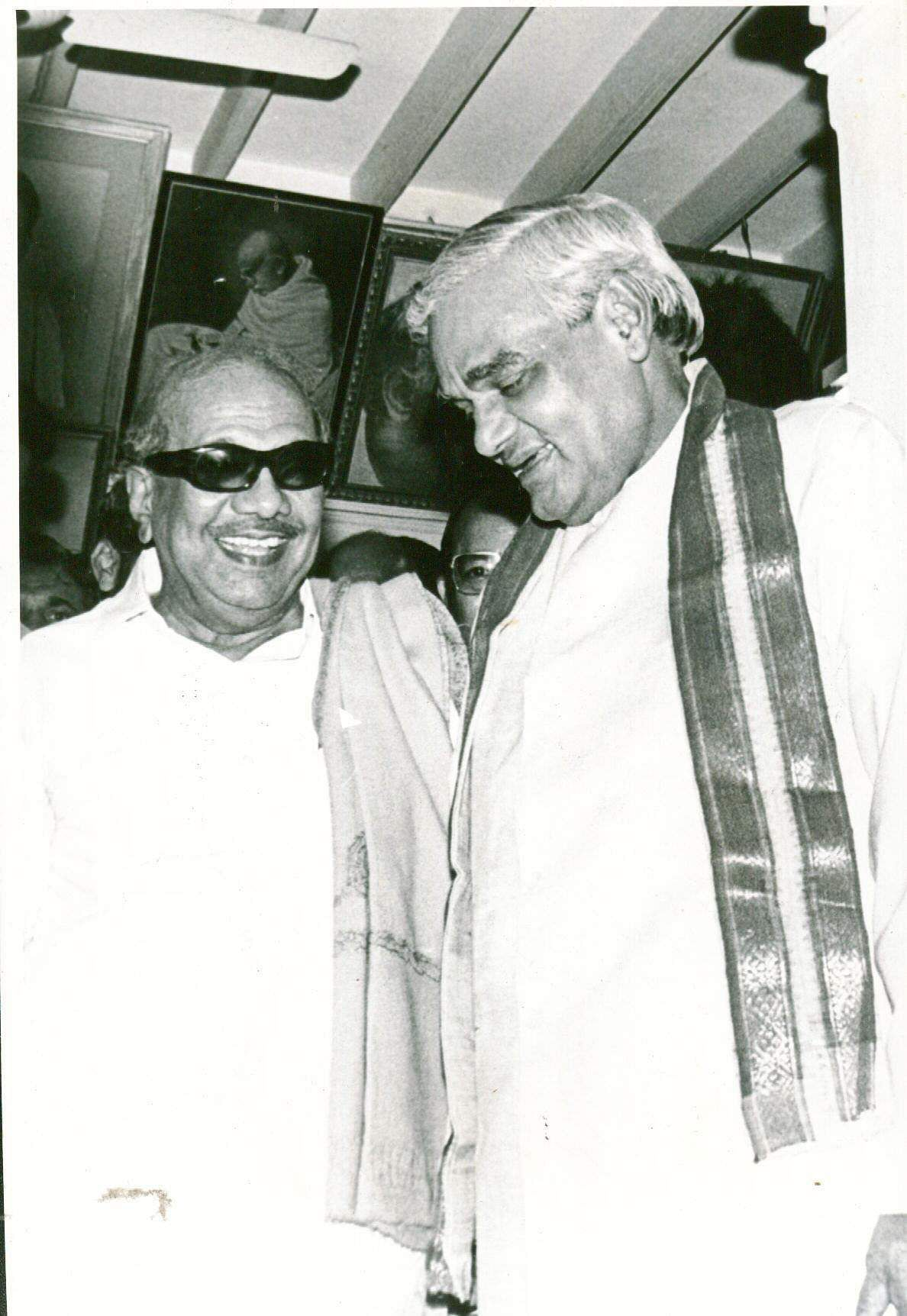 Former Chief Minister M Karunanidhi with  former Prime Minister A B Vajpayee (Photo | EPS)