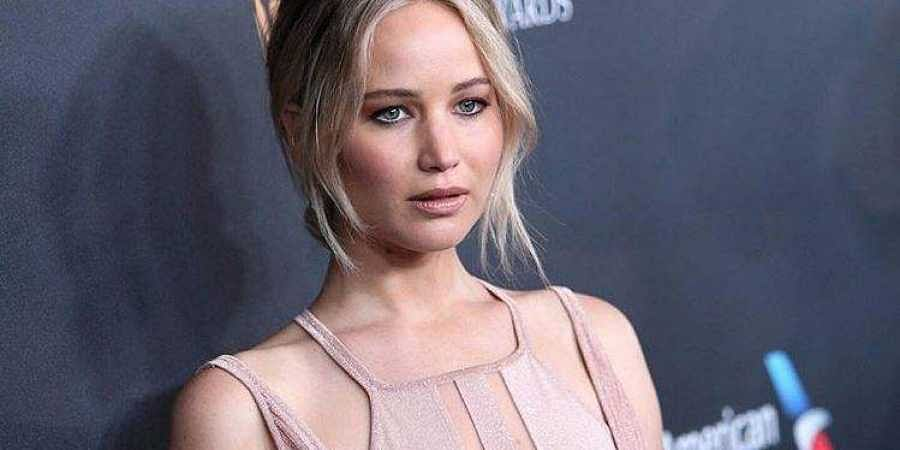 Jennifer Lawrence only watches, does not speak on social ...