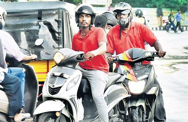 Traffic offenders at SRP Tools signal   Ashwin Prasath