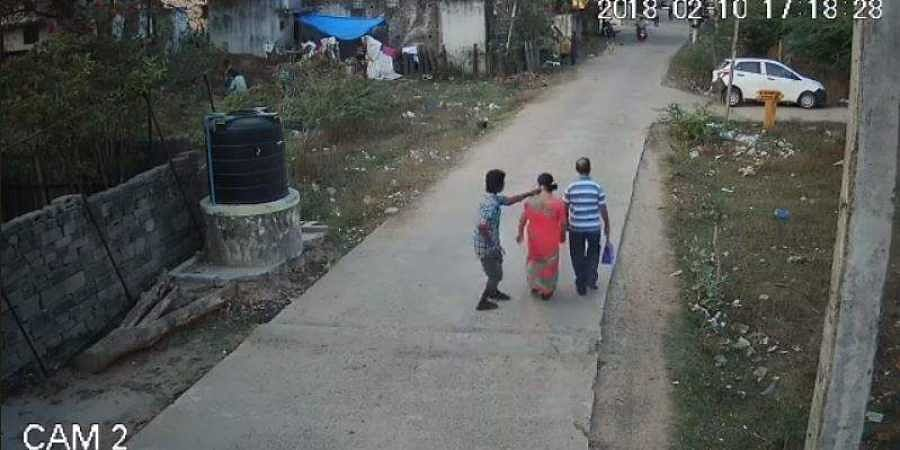 CCTV footages lay bare the horrors of chain snatching robbers in Chennai