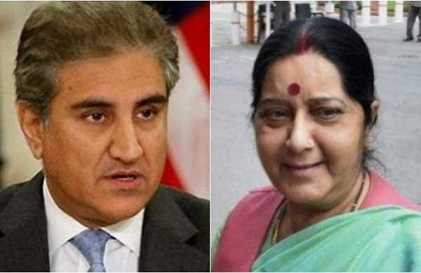 Pakistan Foreign Minister Shah Mehmood Qureshi (Left) and Indian External Affairs minister Sushma Swaraj (Right)